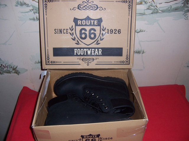 MENS Boots-Route 66 NEW in box, Size 9