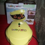 Baby Cakes Non-Stick Mini 6 Donut Maker-Yellow iin box
