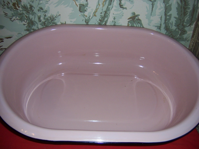 Vintage porcelain enamel pink baby bath tub 28 x18 x7 for Porcelain bathtubs for sale