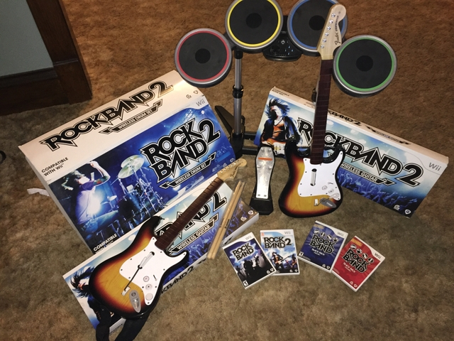 Wii Rock Band Bundle w 2 Guitars, Drums, mic and Games