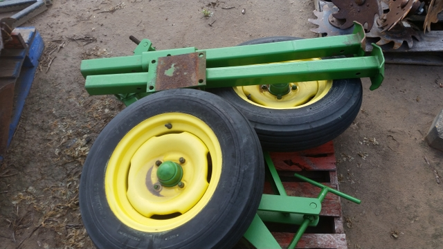 John deere Guage wheels and stand