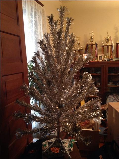 Vintage Evergleam 4ft Christmas tree. Silver