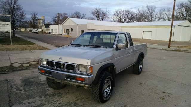 4 sale or trade nice 97 nissan extended cab 4x4 134k nex tech classifieds. Black Bedroom Furniture Sets. Home Design Ideas