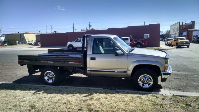 for sale or trade clean 2000 chevy 2500 4x4 flatbed nex tech classifieds. Black Bedroom Furniture Sets. Home Design Ideas