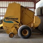 2005 Vermeer Baler Super M with Net