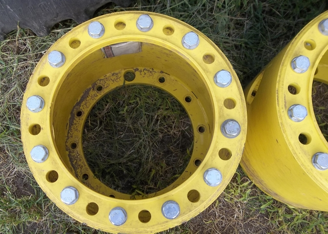 White Tractor Dual Wheel Hubs : John deere dual tires and wheels with hub extensions