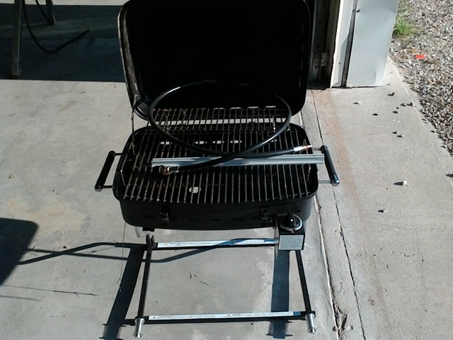 GAS GRILL WITH QUICK CONNECT