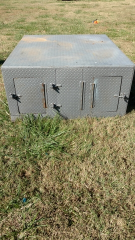 Steel dog box hunting dog box