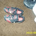 CHildrens size 1 soccer shoes