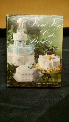 Wilton cake decorating books - Nex-Tech Classifieds