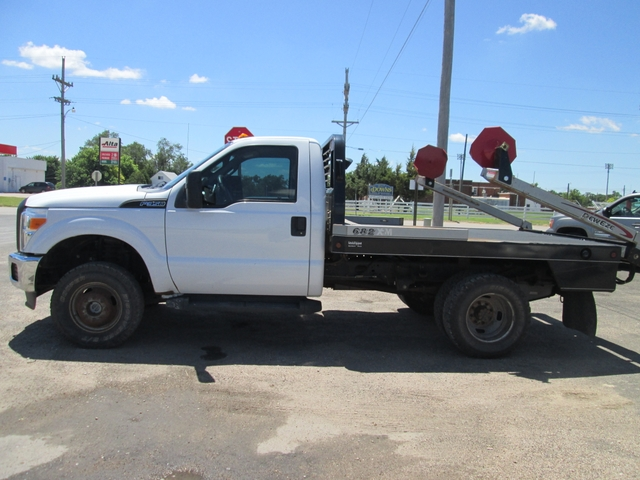2011 Ford F350 4x4 Reg Cab Dually with DeeEze Bale Bed