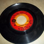 FREDDIE HART 45 -- ONE MORE MOUNTAIN TO CLIMB -- JUST $1