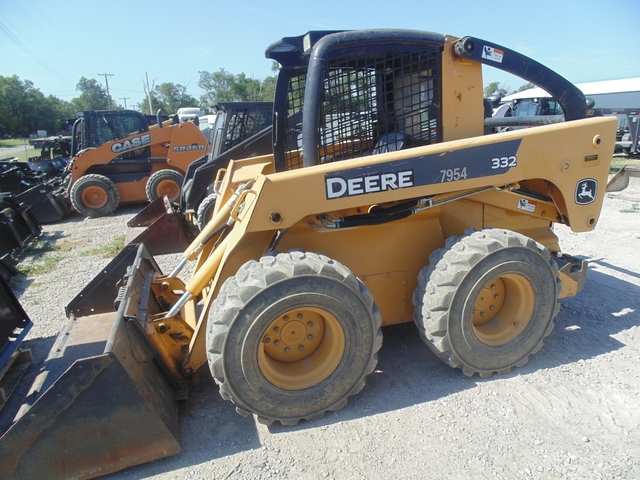 2009 John Deere 332 Skid Steer Loader, 1800hrs, Joysticks