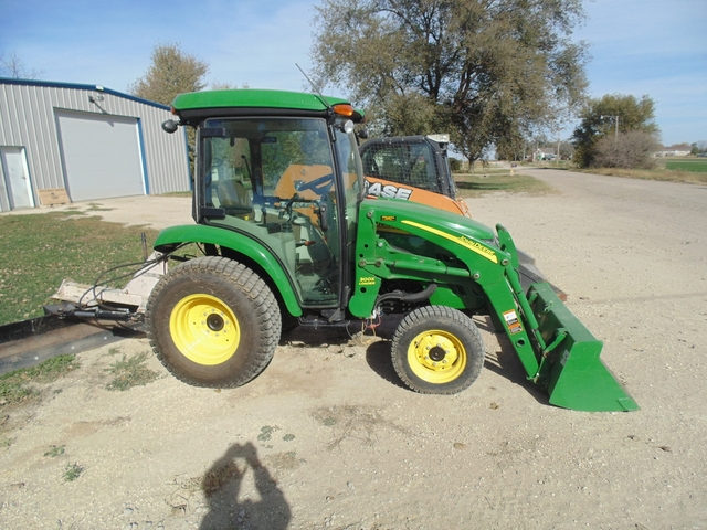 2012 John Deere 3520 Tractor wLoader, Cab wHeat and Air