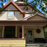 488 4th Street, Large Victorian with modern updates~