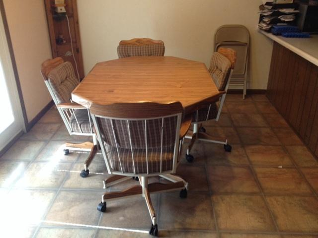 dining table and rolling chairs nex tech classifieds