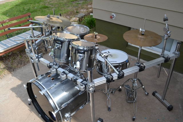 6 piece pearl export pro series drumset w rack hardware nex tech classifieds. Black Bedroom Furniture Sets. Home Design Ideas