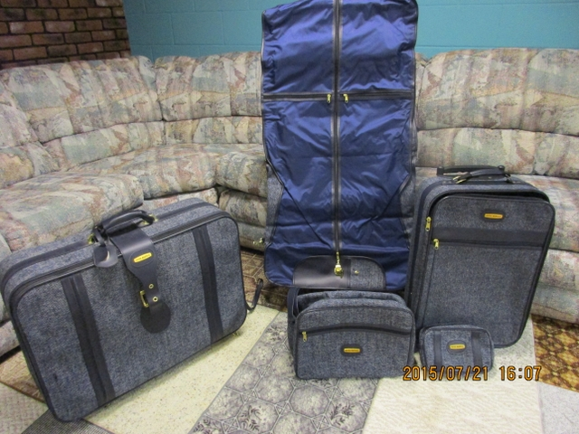 FIVE PIECE FIFTH AVENUE LUGGAGE SET WITH GARMENT BAG - PTCI ...