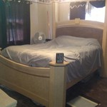 2 poster queen bed and dresser with mirror