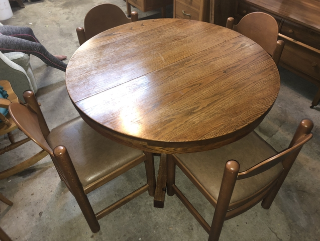 Antique Oak Pedestal Table W/4 Chairs U0026 3 Leaves (REDUCED)   Nex Tech  Classifieds