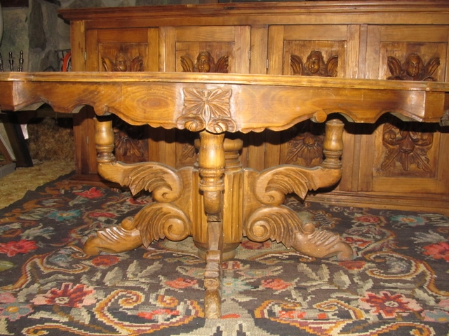 Oval carved coffee table 54 long x 36 wide x 22 tall for Coffee tables 36 wide