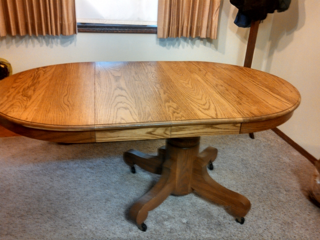 Antique Oak Pedestal Round Dining Table With 2 Leaves   Nex Tech Classifieds