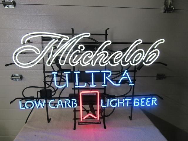 MICHELOB ULTRA LOW CARB LIGHT BEER NEON SIGN COLLECTIBLE   Nex Tech  Classifieds