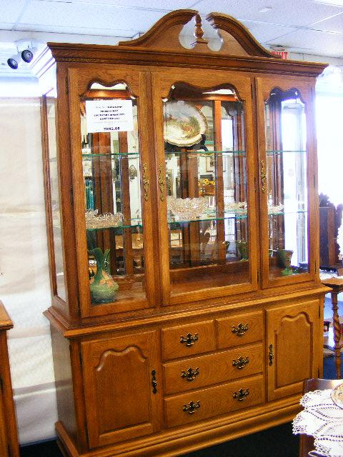 JUST REDUCED! SOLID OAK THOMASVILLE CHINA CABINET/HUTCH - Nex-Tech ...