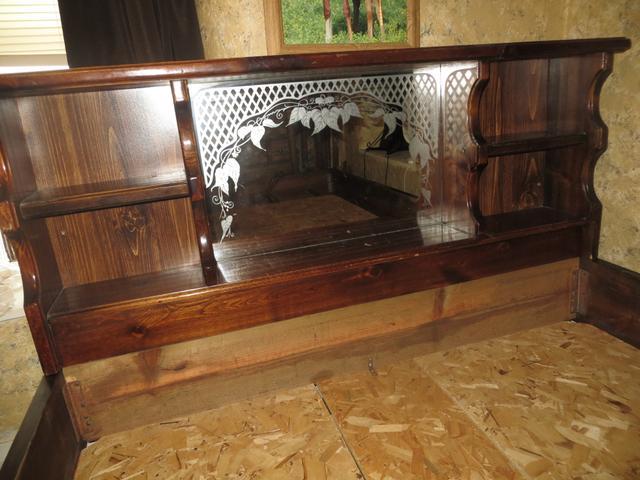 Queen Wood Bed Frame - Waterbed - Mirror & Shelf Headboard - Nex ...