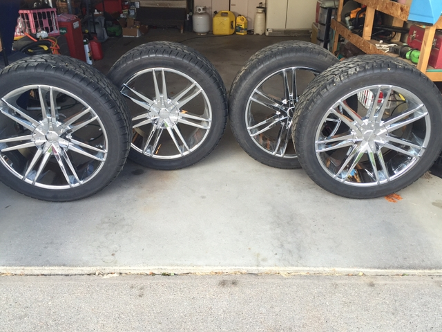 22 inch wheels rims low profile tires chevy gmc make offer tct classifieds. Black Bedroom Furniture Sets. Home Design Ideas