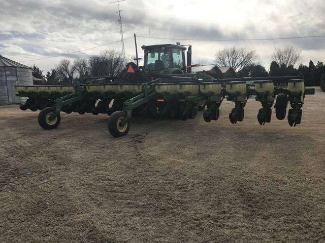2002 John Deere 16 Row Stack Fold Planter Nex Tech Classifieds