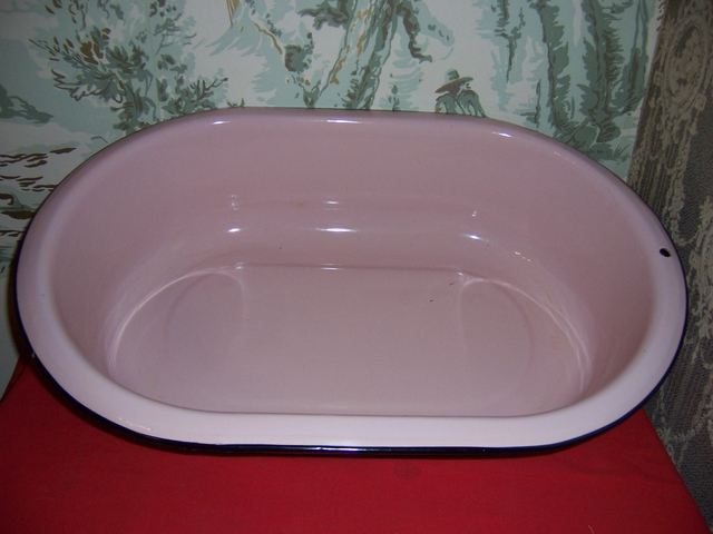 Vintage Porcelain/enamel PINK Baby bath tub-28\