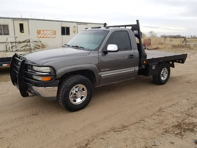 4 sale or trade nice 2000 chevy 2500 4x4 reg cab flat bed nex tech classifieds. Black Bedroom Furniture Sets. Home Design Ideas