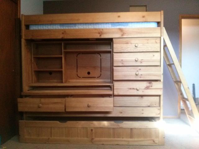 Bunk Bed Plus Trundle Dresser Desk Amp Additional Storage