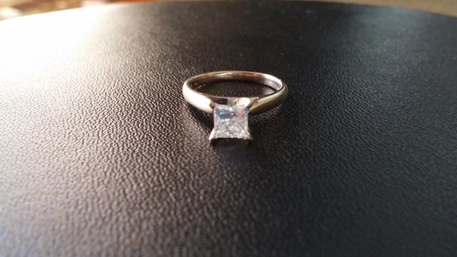 1 5k Princess Cut Diamond Enement Ring In 14k White Gold Nex Tech Classifieds