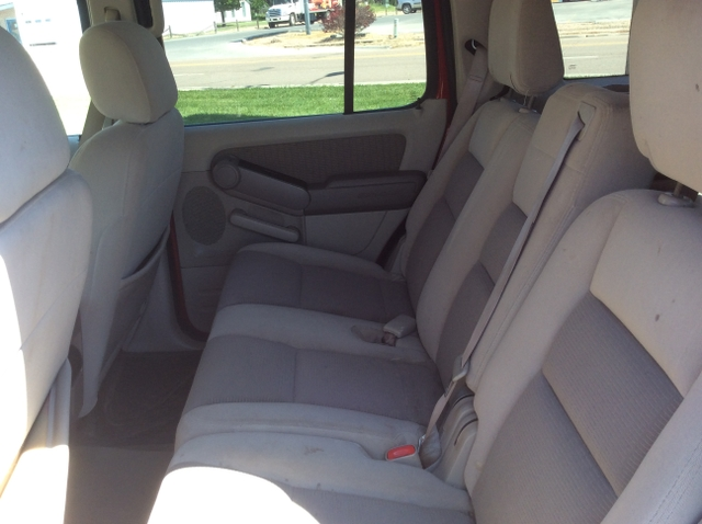 2006 ford explorer price reduced nex tech classifieds. Black Bedroom Furniture Sets. Home Design Ideas