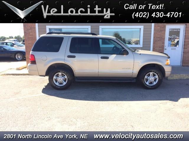 2005 Ford Explorer Xlt 4x4 3rd Row Credit A Little Beat